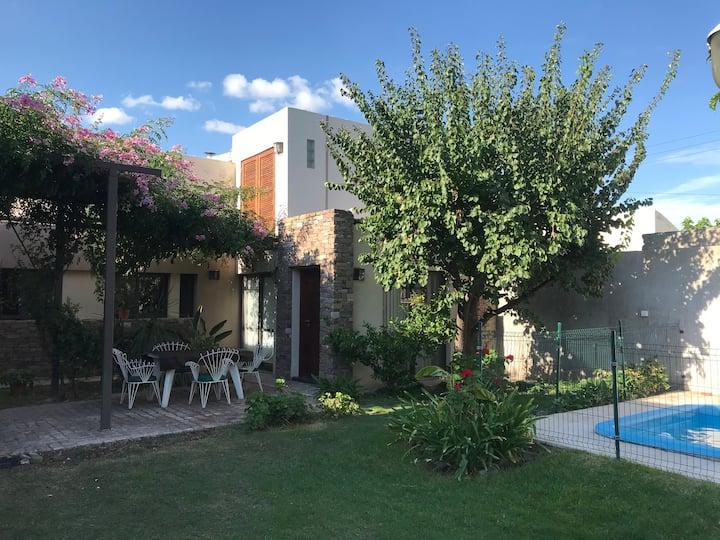 Jardín de Iris alojamiento Maipu Mendoza
