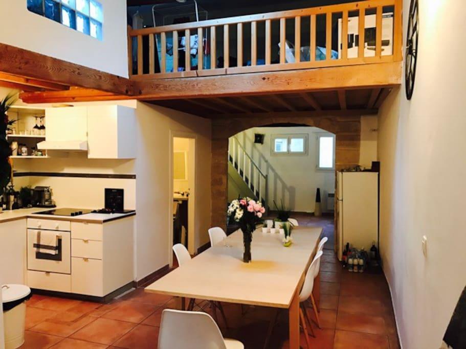Duplex t3 atypique centre historique terras parkin for Location appartement atypique montpellier