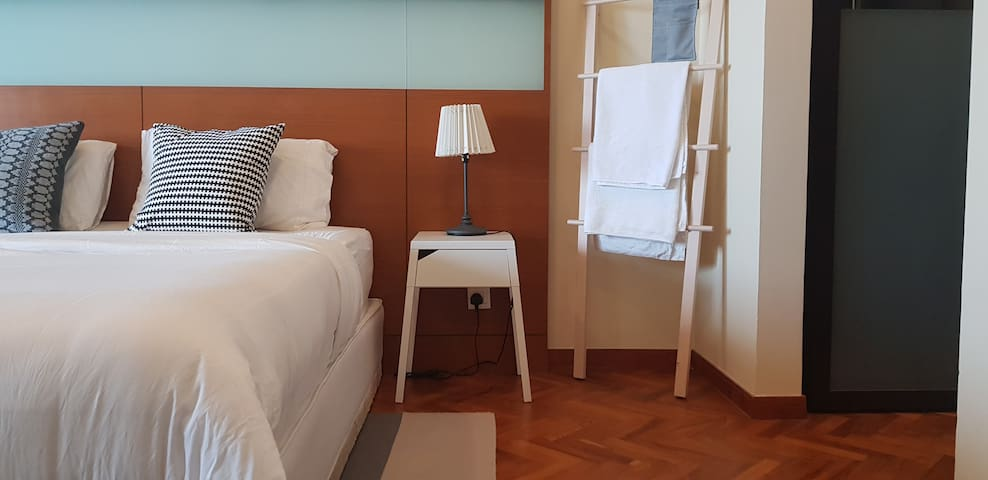 Privacy Seaview Suites at Straits Quay