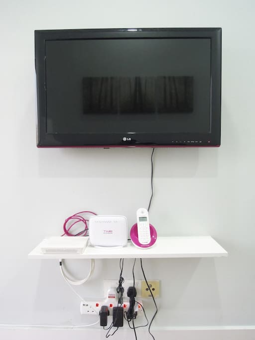 TV with access to iFlix & high speed broadband
