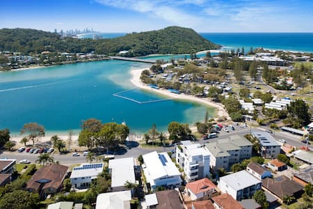 """Casa Murlong"" on sparkling Tallebudgera Creek."