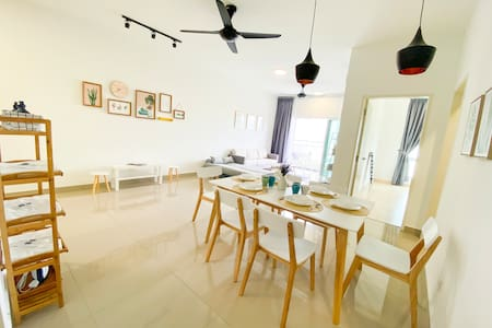 【NEW】三房 3Rooms, 6-8pax, The Holmes, PGRM, HUKM