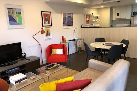 Stylish  1 BR Apartment on Kingston Foreshore