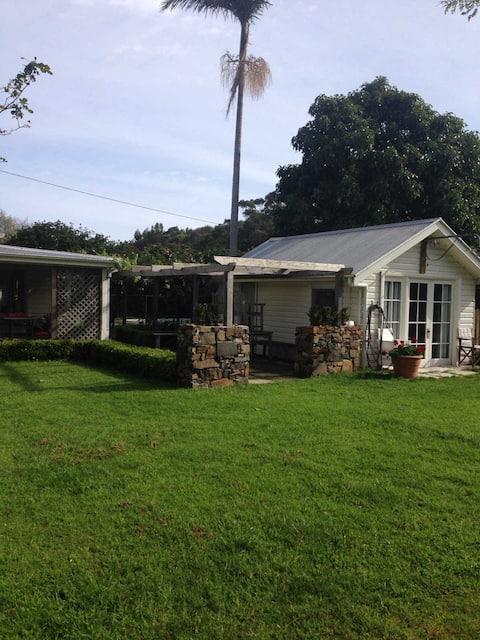 Tyno Cabin - Cosy garden cabin in Rose Valley