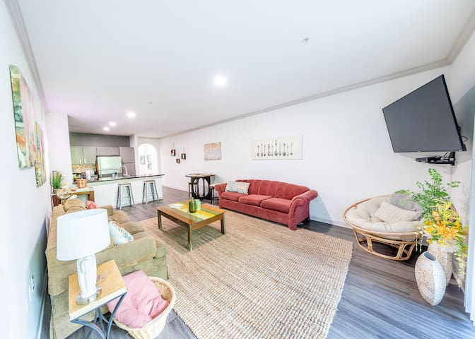 Super Stylish, Spacious and Best Location in Town!