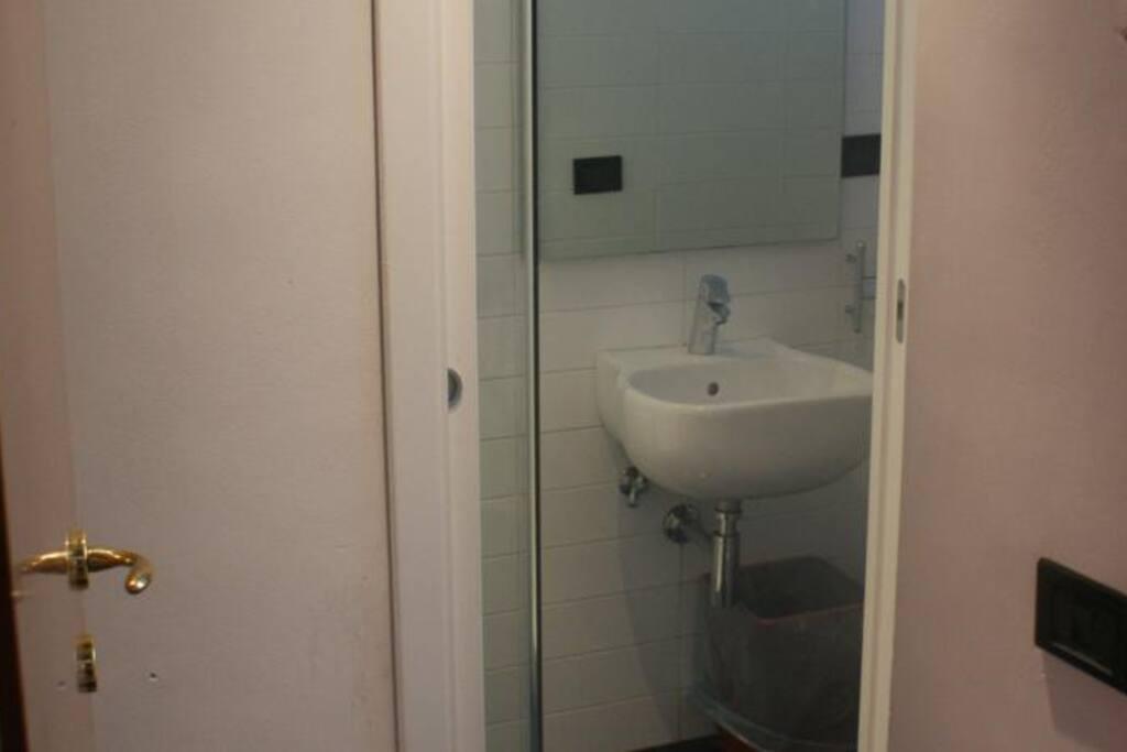 bagno in comune per 3 camere