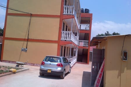 New fully furnished apartments - Jinja - Daire