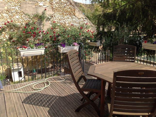 Maison de Village 100 m2 20mn Avignon pont du gard - Saint-Geniès-de-Comolas - Hus