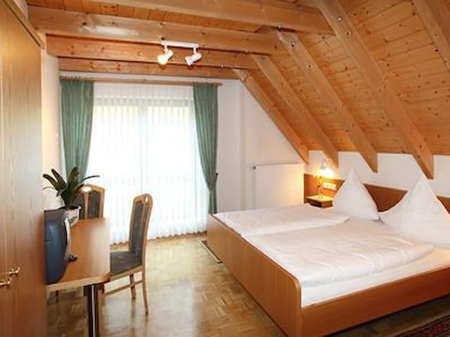 Gasthaus Zur Rose (Stuppach), Doppelzimmer mit kostenfreiem WLAN