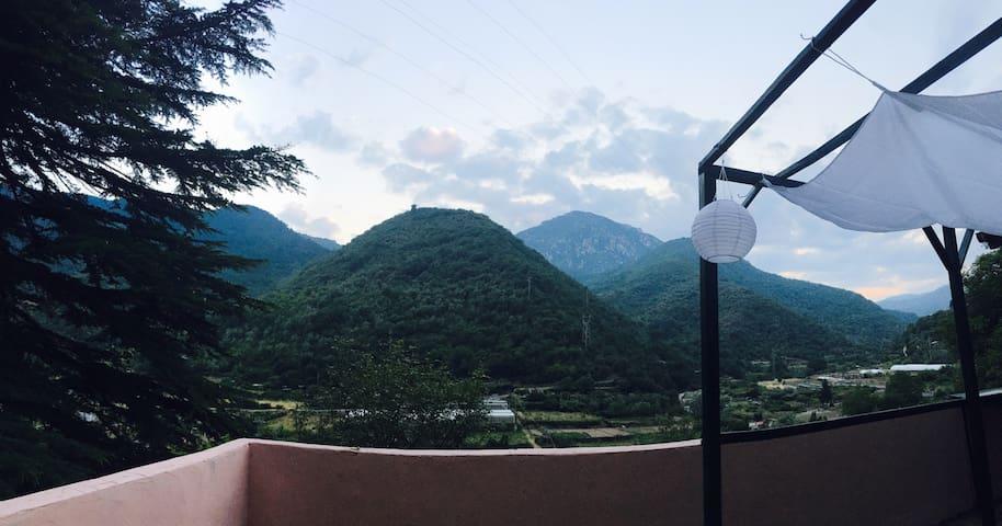 Simple, elegant retreat in the Italian Riviera