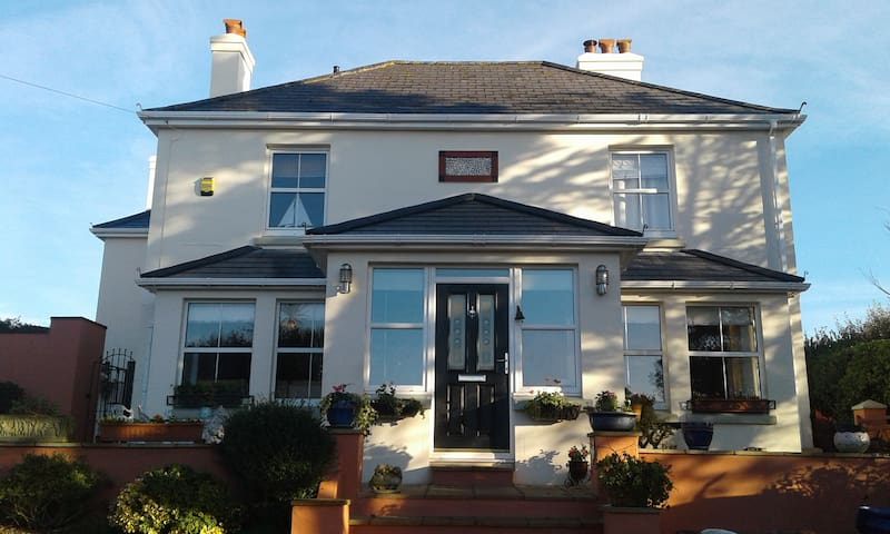 Little Orchard House Portside Room/ Ensuite - Malborough  Salcombe - Bed & Breakfast