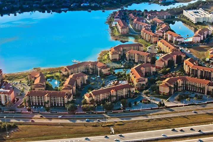 Orlando West Gate Lakes, Sleep 4