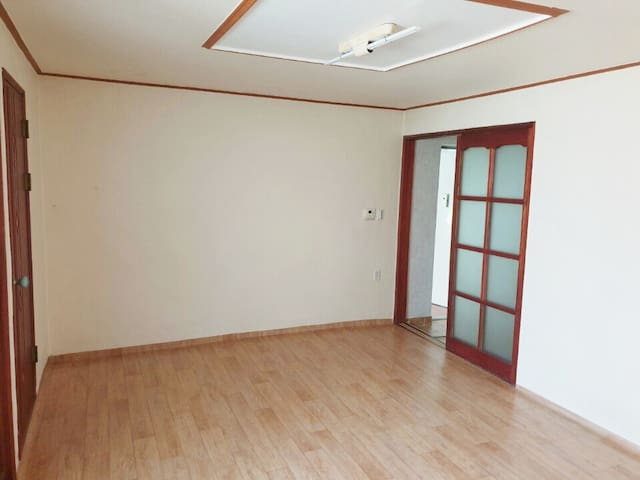 45% Cost Saving Studio for 4 weeks staying guest.