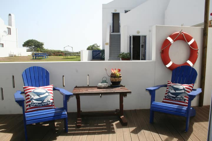 Baywatch Guest House - Abalone Room