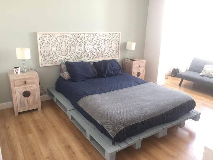 Charming and Comfy bedroom in Lisbon, Belém