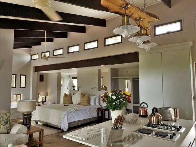 Luxury Villa photo 11