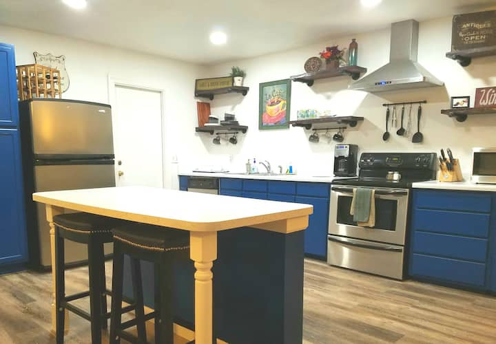 Clean and sanitized home / 8 min from Sea World