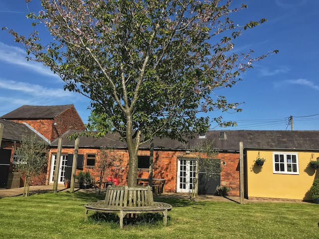 The Old Stables Retreat, Northfield Farm