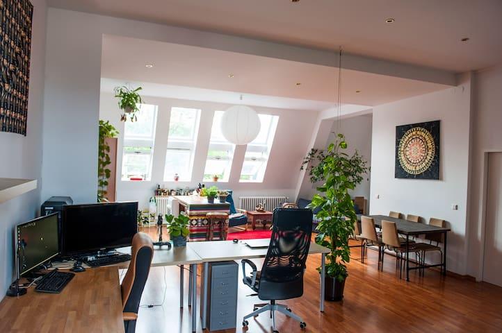Exquisite ~ Huge Backyard Loft in Berlins Center - Berlín - Loft