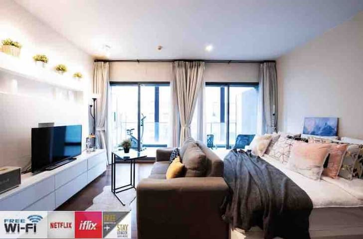 Stylish & Comfy (54 sqm) @BTS, Free WiFi/Netflix