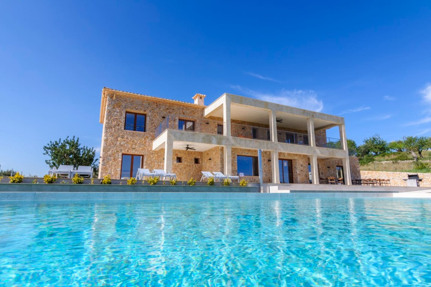 Main photo. House and swimming pool