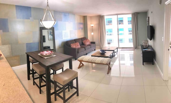 Aqualinda Brickell - 1/1 High Rise Condo
