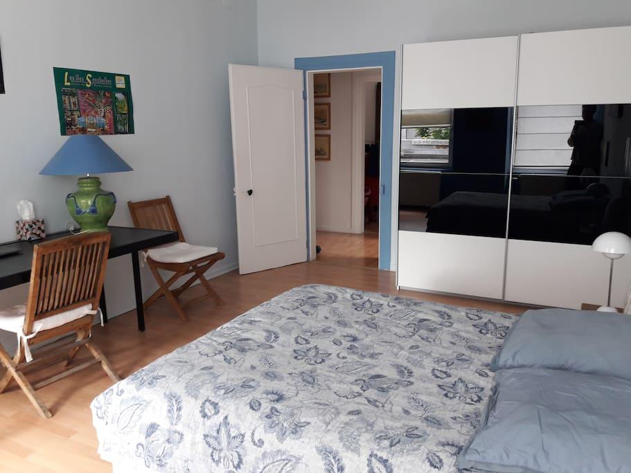 Deuxième vue de la chambre