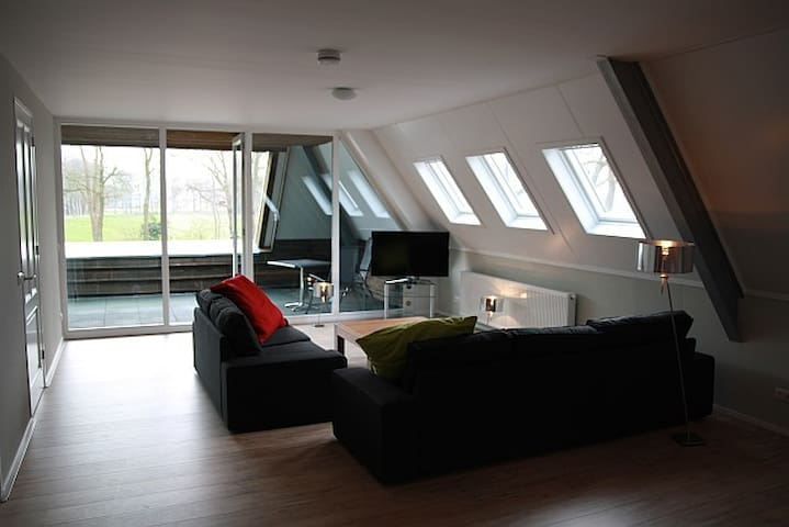 Beautiful Penthouse with free horsestable - Dwingeloo - Apartamento