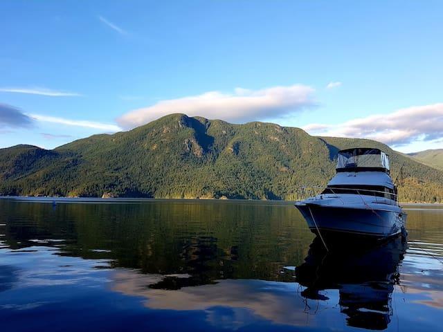 Bareboat charter ocean camp adventure