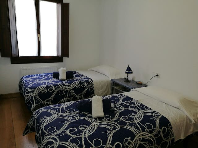 COMFORTABLE DOUBLE ROOM!(BLUE) - Estella - Apartment