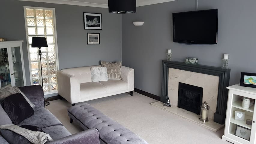 3 Bedroom House - Broughty Ferry