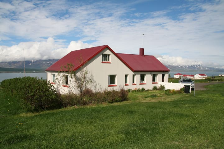 House in the country - great view! - Akureyri - House