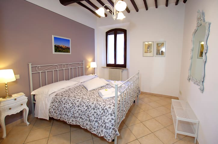 Apartment LA TORRETTA - In the medieval center