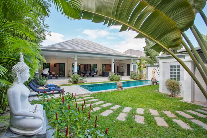 Unique 3 bedrooms, Pool Villa, Lush garden, Rawai