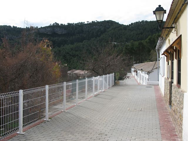 Casita en el Embalse de Benageber - Benagéber