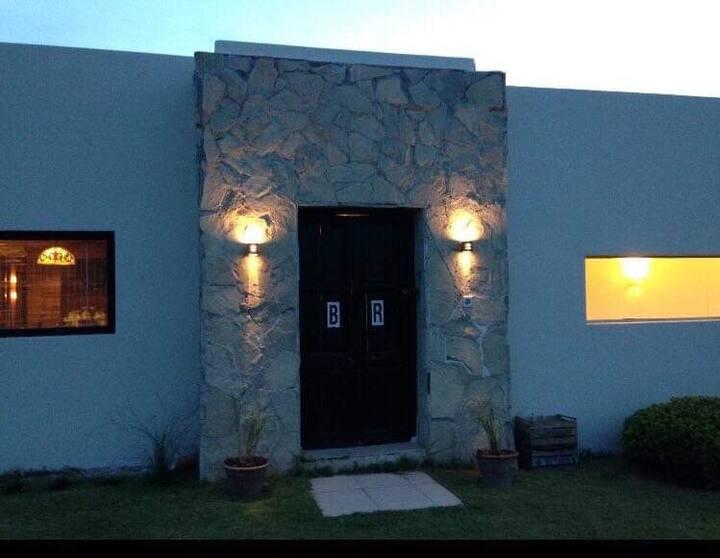 Preciosa casa en Club de campo en Victoria, E.R.
