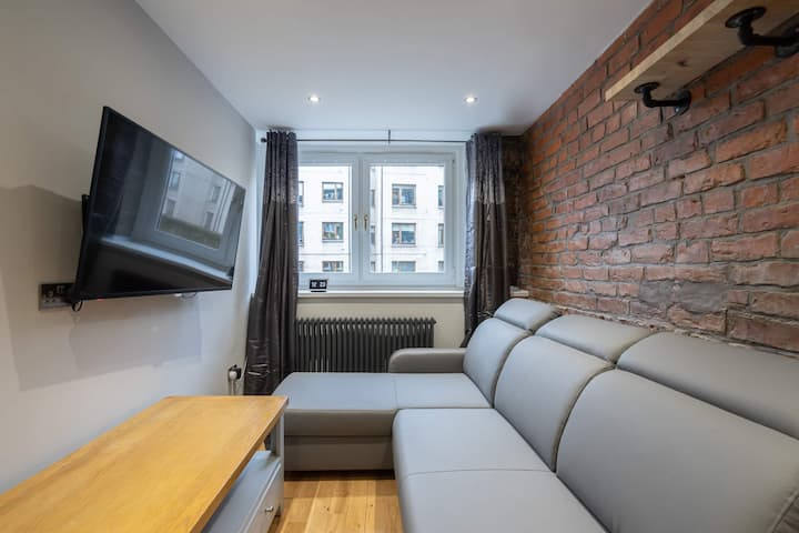 Luxury Doublex City Centre Apartment on the Canal