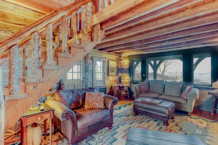 Historic log cabin w/ mountain views - covered deck