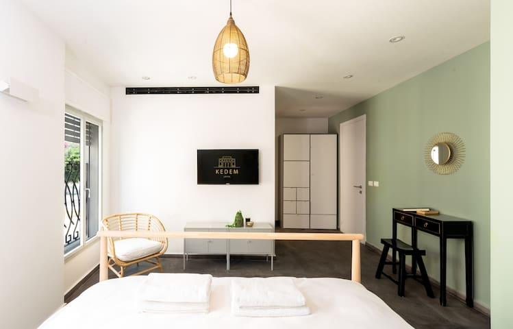 KEDEM - Romantic NEWLY designed Studio