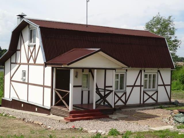 Гостевой Дом на берегу реки Великой - Pskov - บ้าน