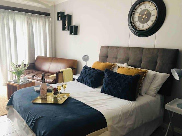 Blu for Two Beach Studio Apartment
