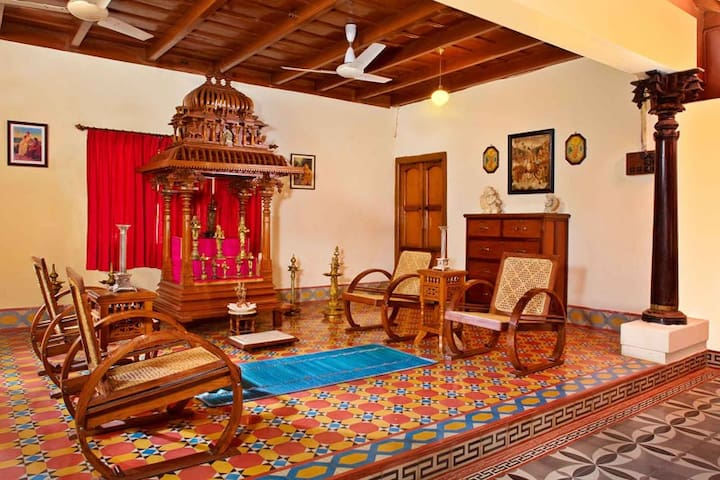 Heritage Bungalow stay with Nature