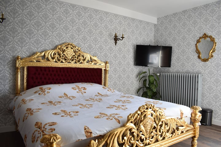 French Royal Room