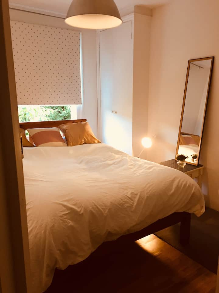 Shepherd's Bush private double room