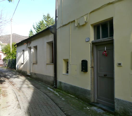 Piccolo alloggio in collina
