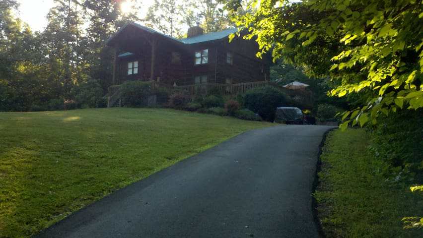 Croy's Cabins and Hunting Lodge