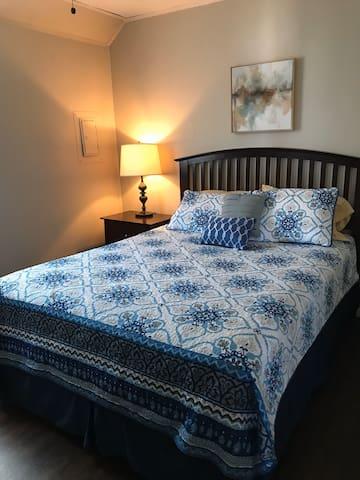 Bedroom 1 has queen size bed
