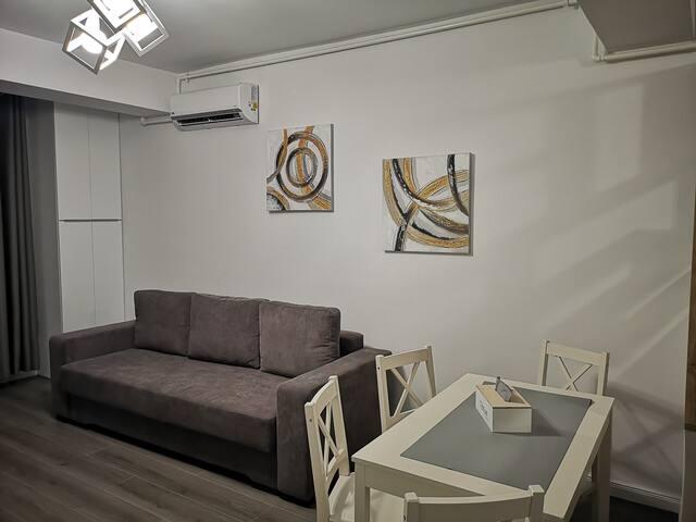 Arny's Beach Apartment