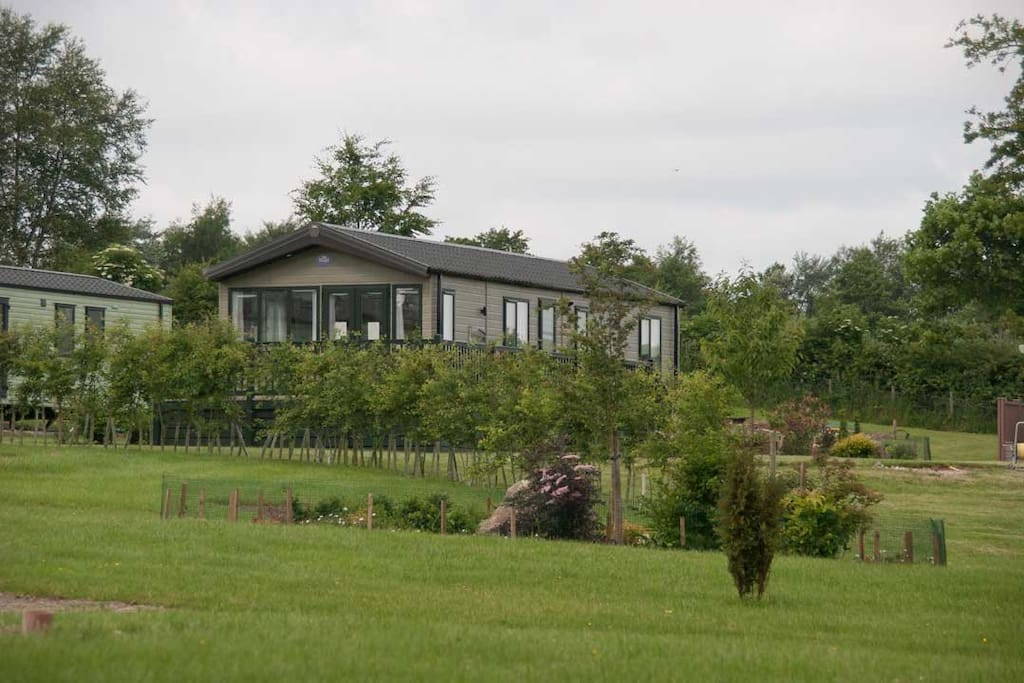 """Beautiful 40 x 14 foot luxury holiday home """"Lake View"""""""