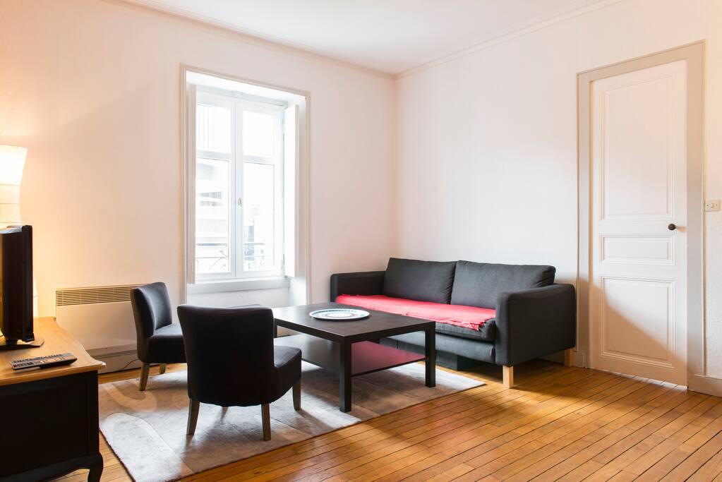 appartement t2 id alement situ appartements louer nantes pays de la loire france. Black Bedroom Furniture Sets. Home Design Ideas